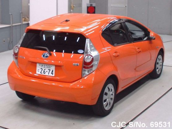 Toyota Aqua Orange 2012